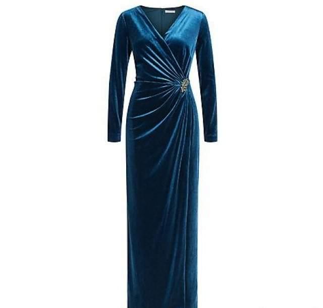 Bayan Kadife Elbise Modelleri Ve Fiyatları Kadife Gece Elbisesi 2018