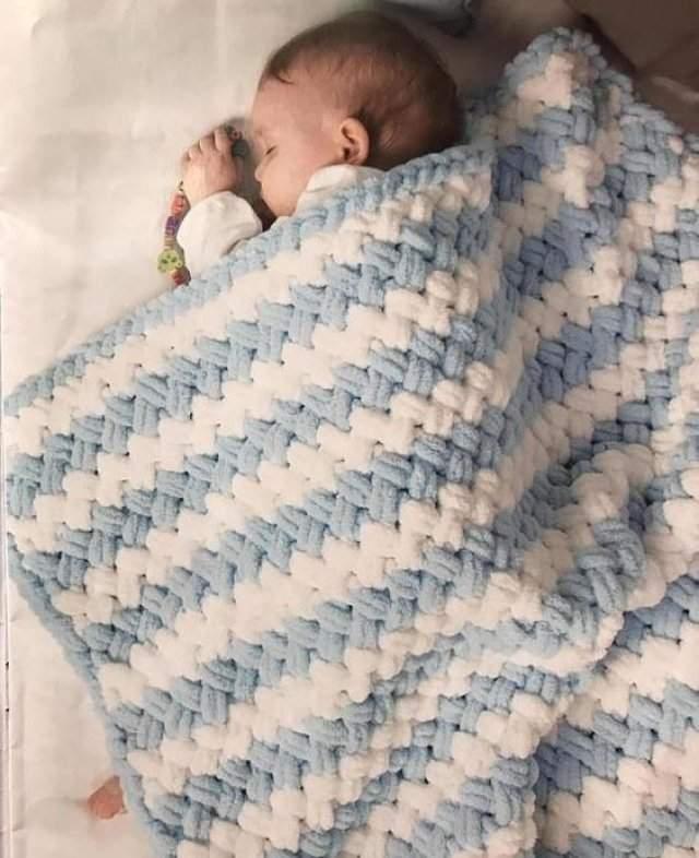 Kadife İpten Bebek Battaniyesi Kaç İlmekle Başlanır Nasıl Örülür