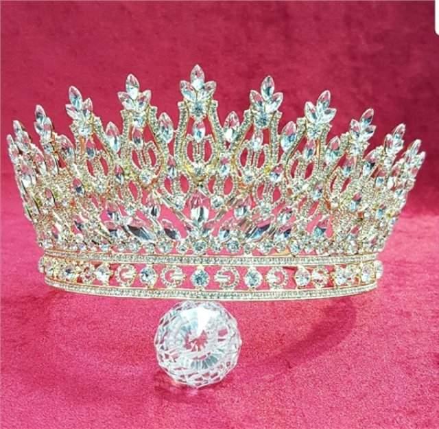 Prensesleri Kıskandıracak Çiçekli Ve Taşlı Gelin Tacı Modelleri 2020
