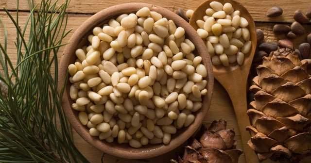 Çam Fıstığı Nedir Çam Fıstığında Hangi Vitaminler Var? Besin Değeri