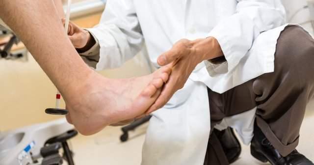 Düşük Ayak Sendromu Ayak Düşüklüğü Neden Olur Nasıl Geçer?