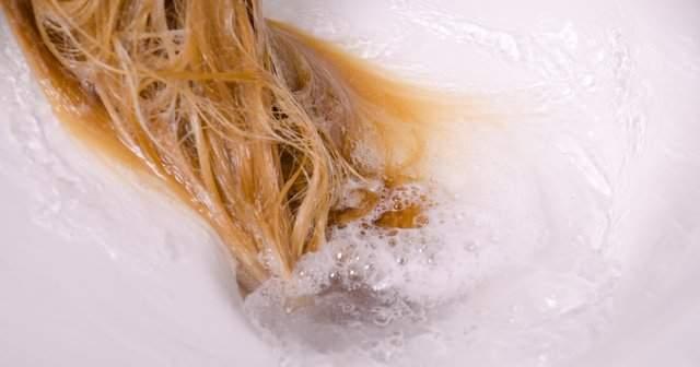 Saç Boyasını Akıtmak İçin Karbonat Boyayı Akıtmak İçin Bitkisel Çözüm