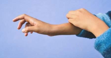 Kollarda Bacaklarda Kaşıntı Sırt Ayak Kaşıntısı Karaciğer Hastalığı Belirtisi mi?
