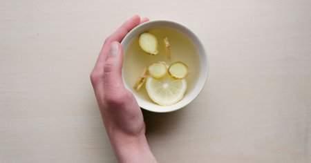 Zencefil Bal Limon Sıcak Su Tarifi Zencefilli Limonlu Su Faydaları