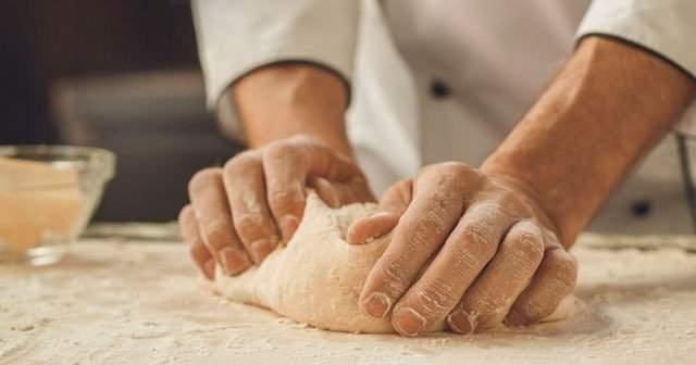 Evde Lezzetli Tepside Patates Böreği Nasıl Yapılır