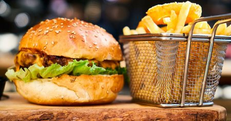 1 Bir Hamburger Kaç Kalori Eder Diyetisyen Cevaplıyor