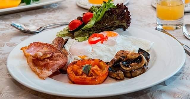 Protein Ağırlıklı Diyet Listesinin Sağlığa Zararları Ve Faydaları