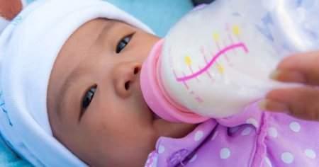 Gece Tok Tutan Besleyici Biberon Maması Nasıl Yapılır
