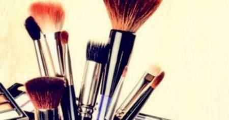 Makyaj Fırçaları Nasıl Temizlenir Bebe Şampuanı ve Diğer Yollar
