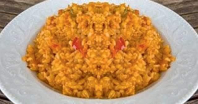1 Porsiyon 1 Tabak Yemek Kaşığı Domatesli Bulgur Pilavı Kalorisi