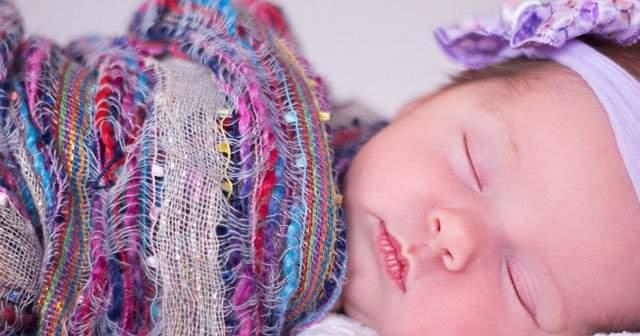 4 Aylık Bebek Diş Çıkarır mı Normal mi Ne Yapmalıdır?