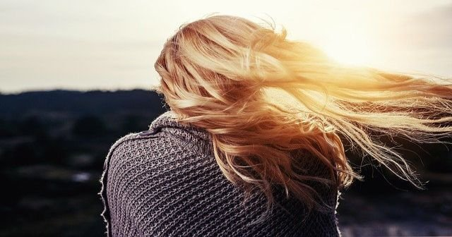 Saç Diplerinin Derisinin Kabuklanması Ve Kafada Deri Dökülmesi
