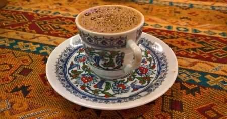 Türk Kahvesi Tansiyonu Yükseltir Mi, Mideye İyi Gelir Mi
