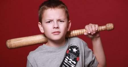 Hırçın, Kardeşine Vuran Çocuğa Nasıl Davranmalı Pedagog Önerileri
