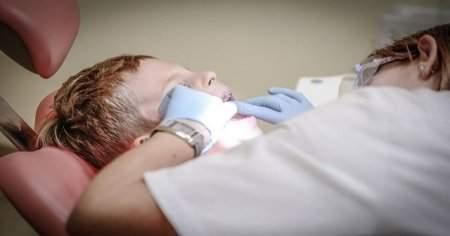Damakta Çıkan Diş Neden Çıkar Damağımda Diş Çıktı