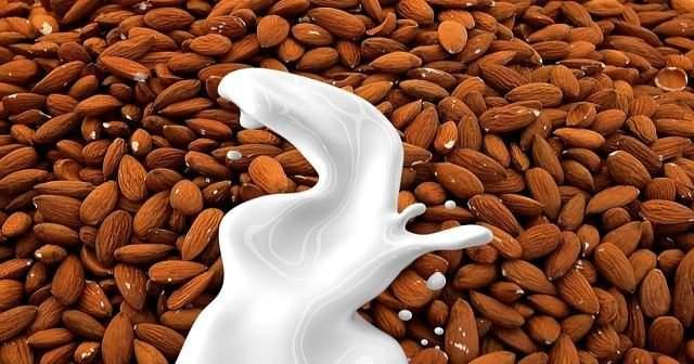 Evde Badem Sütü Yapımı İçin Diyetisyenlerden 3 Farklı Tarif