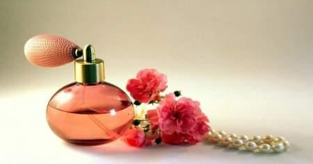 En Güzel En Etkileyici Baştan Çıkarıcı 10 Kadın Parfümü Hangisidir