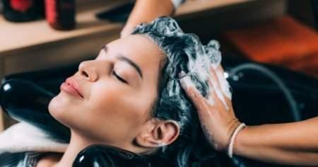 Saçı yıpratmadan derinlemesine temizleyen en iyi 10 tuzsuz şampuan