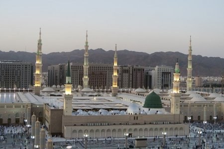 Sevgili Peygamberimiz Muhammed Aleyhisselam'ın Mübarek Yüzü Nasıldı?