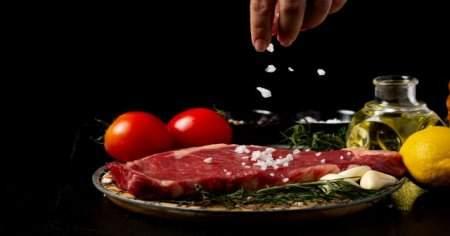 Türk halkının en sevdiği yiyeceklerden olan kırmızı et kaç kaloridir?